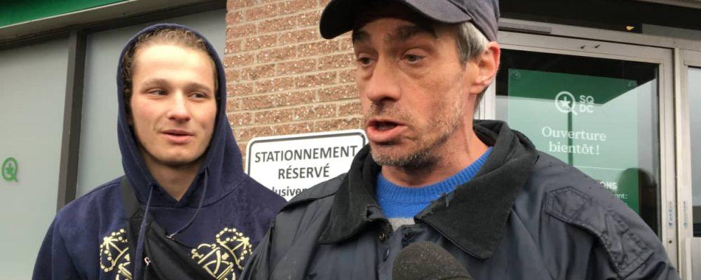 Vente de cannabis : « On se sent libre », dit le premier client à Québec